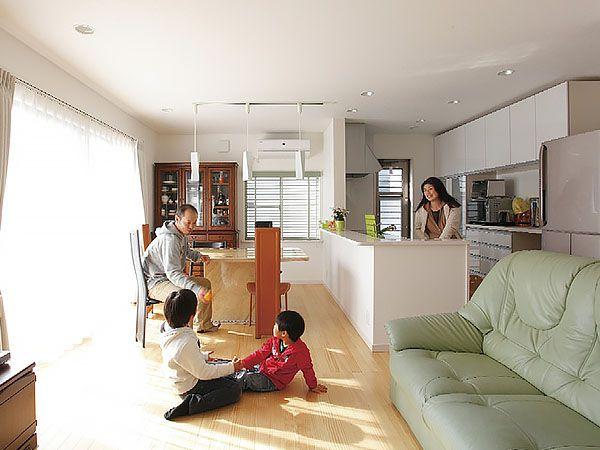 陽当たりがいいうえに1階全室床暖房なので、冬でも寒さを気にせず過ごせます。