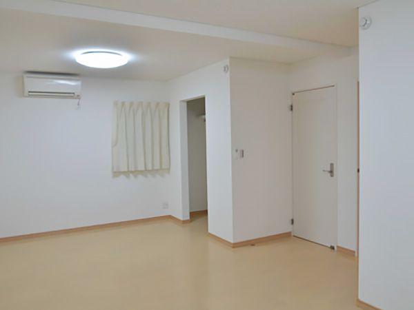 子ども部屋は南面に配置。お子様の成長に合わせて将来分離させる間取りを採用。2室分の広々とした空間でしばらくは色々な用途にも使えそうです。