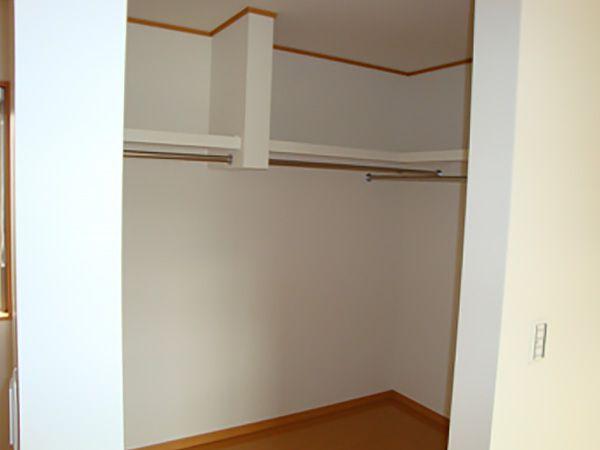 3帖分もあるウォークインクローゼットは、ご家族の荷物をたっぷり収納できます。