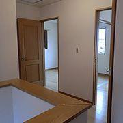 間仕切り壁で2部屋に分けることの出来る子ども部屋は、入口も2ヶ所設けています。