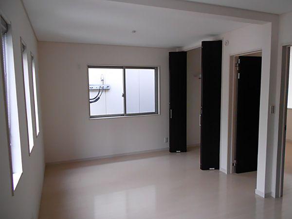 子供部屋は、将来区切って2部屋になるように完全な左右対称で設計されています。