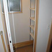 玄関横のシューズクローク。たっぷり収納できます。