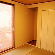 リビングと独立した場所にある和室は、来客の時など玄関からそのままお客様をお通しできます。