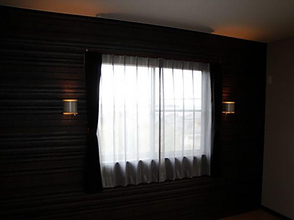 寝室はモダンでオシャレな仕上がりです。