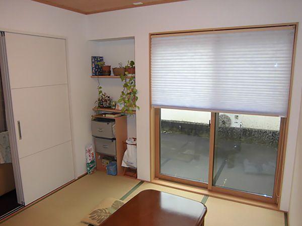 押入れの戸は襖仕上げにし、窓枠も内装色と合わせるなど、お施主様のこだわりポイントです。