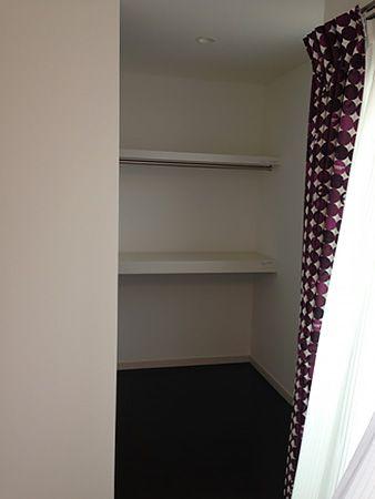 各お部屋にクローゼットを。 窓も多めに設置し明るいお部屋になりました。