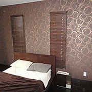 リラックスしたい寝室だからこそ、自分の好みに合った壁紙をチョイス。