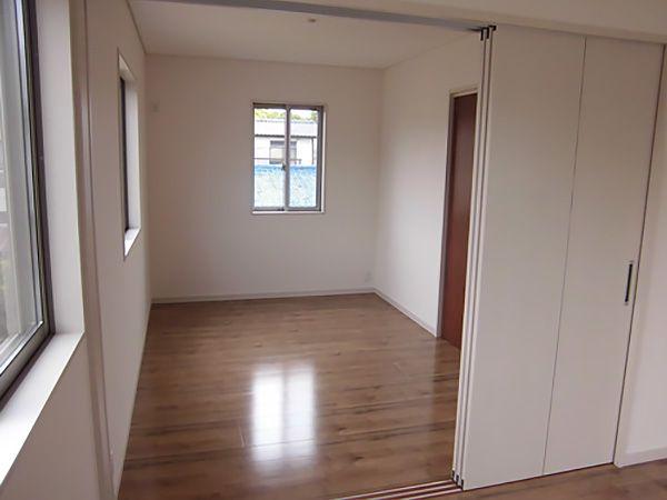 将来のライフスタイルの変化に応じて対応可能な洋室。今はご主人様のトレーニングルームとして使用されているそうです。