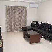 室内のモノトーン色に合わせて、家具もブラック系が多いです。モダンなお家の雰囲気にマッチしてお施主様のセンスがひかります!!!