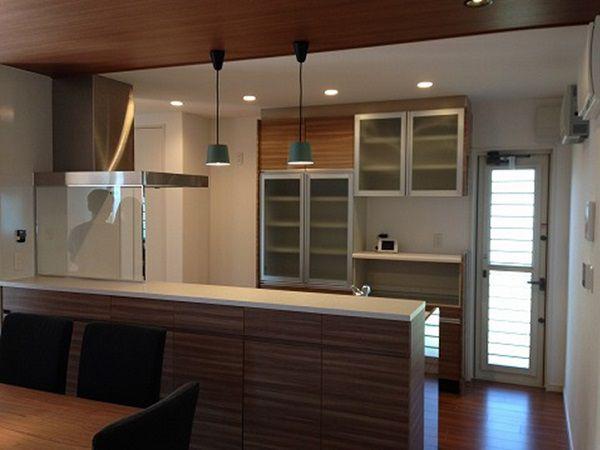 ルピオス独特の回遊性のある対面キッチン。