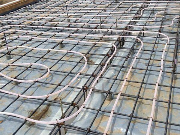 断熱型枠の基礎と、床暖房で一年中快適な住まいを実現します。