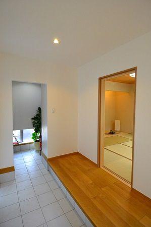 広々とした玄関には大容量で使い勝手バツグンのクローク!