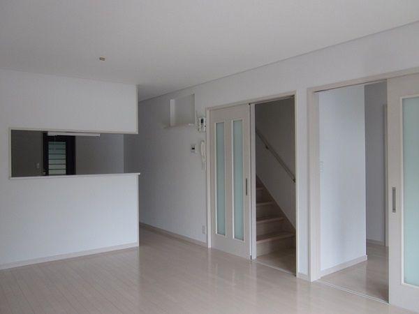 2階へ行く為には必ずリビングを通らなければいけないので家族が自然と顔を合わせるようになり会話も増えます。