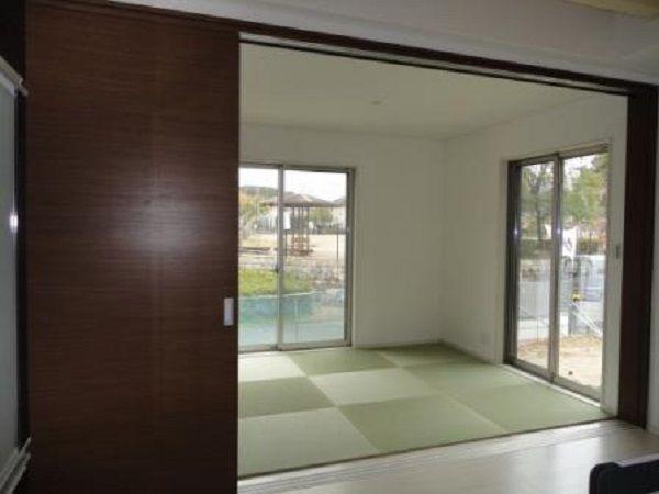 和室はLDKから続いていますので、空間が広がっています。