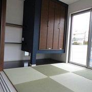 和室は琉球畳でモダンな仕上がりです。