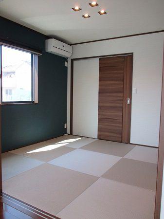 モダンな雰囲気の落着いた和室です。