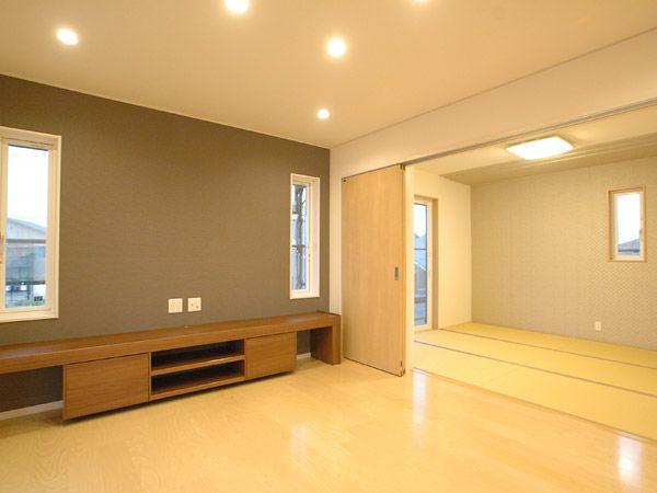 リビングからつながる和室は、仕切ることもできるし仕切らなければ、広く快適に使えます。