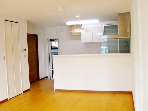 家族が各部屋から集まりやすいように、LDKは家の中心にあります。