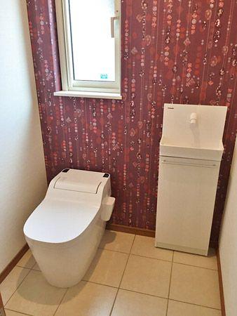 広々と車いすでも入れるトイレ。高級感もあるトイレになりました。