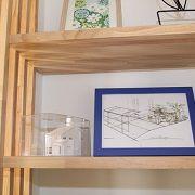 こだわりの造り付けの棚には、模型を飾ってくれています♪
