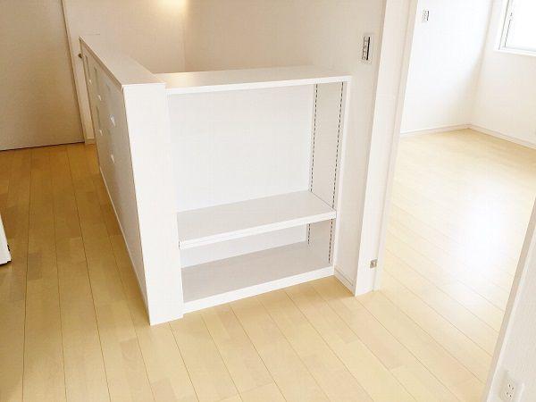 マンガなどたくさんある場合、何気に置くところに困りますよね。本棚も大切な新築計画の一つです。