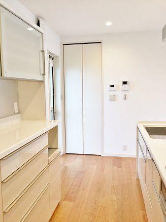 キッチンには必ずほしいパントリーももちろん設置してあります。