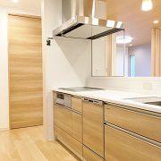 キッチンはママに大人気のルピオス仕様。 ぐるりと一周でき、行き止まりがないので便利!