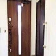 玄関を入るとシューズインクロークがあります。