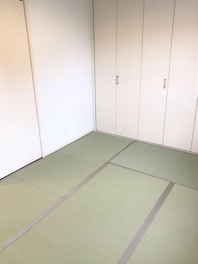 ダイニングに繋がった和室になるのでゴロゴロしやすいです。