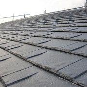 ご主人様こだわりの屋根。大屋根なので意匠性と自然災害に強い屋根材を採用。