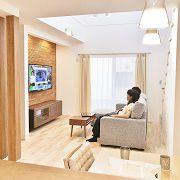 奥様よりキッチンからもテレビが見たいとのご要望を頂きましたので、家事をしててもテレビが見える空間にしました。