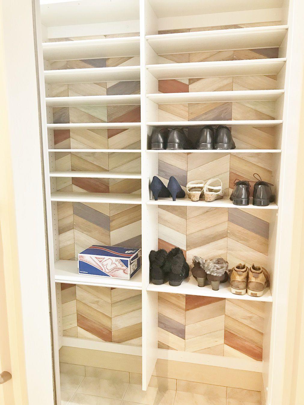 靴やブーツなどたっぷりと収納ができます。また、使っていくうちに白のクロスだと汚れが気になる!という方には、柄のあるクロスを選ぶと汚れが目立ちにくいですよ。