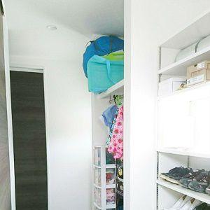 kidukiと同じで、とっても広いシューズクロークをつくりました。玄関スペースは常にすっきりとした空間になってます。