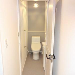 照明も可愛くて、ずっとトイレにこもってしまいそう(笑)