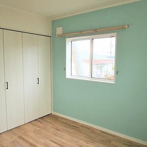 収納もしっかりでき、優しい色合いの明るいお部屋!!