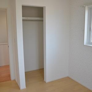2つご用意したお子様のお部屋は、それぞれ一面だけクロスを変えることで、雰囲気が違ってまた楽しめます。