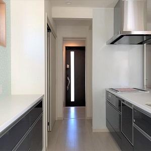 玄関を入るとすぐにキッチンに入れます。重たい荷物を持ってキッチンに行けるのはとても便利です。