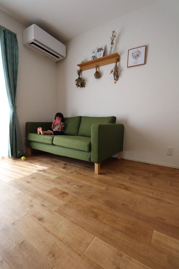 無垢の床と家具とインテリア◎