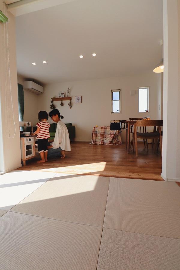 LDKに隣接した和室は、お子様のお昼寝や、遊ぶスペース、お洗濯たたみetc…様々な用途で使用できます。