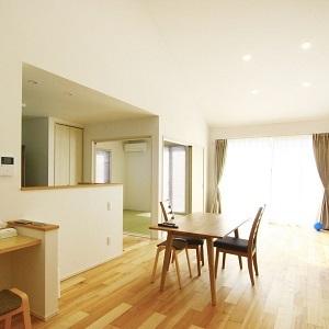 LDKと和室が一体化した大空間リビングです。