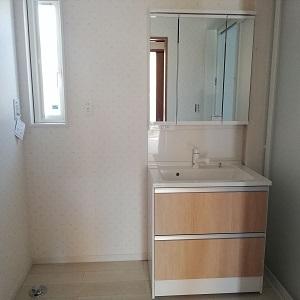 1階全面床暖房だから、寒い冬でも暖かい洗面脱衣室です。