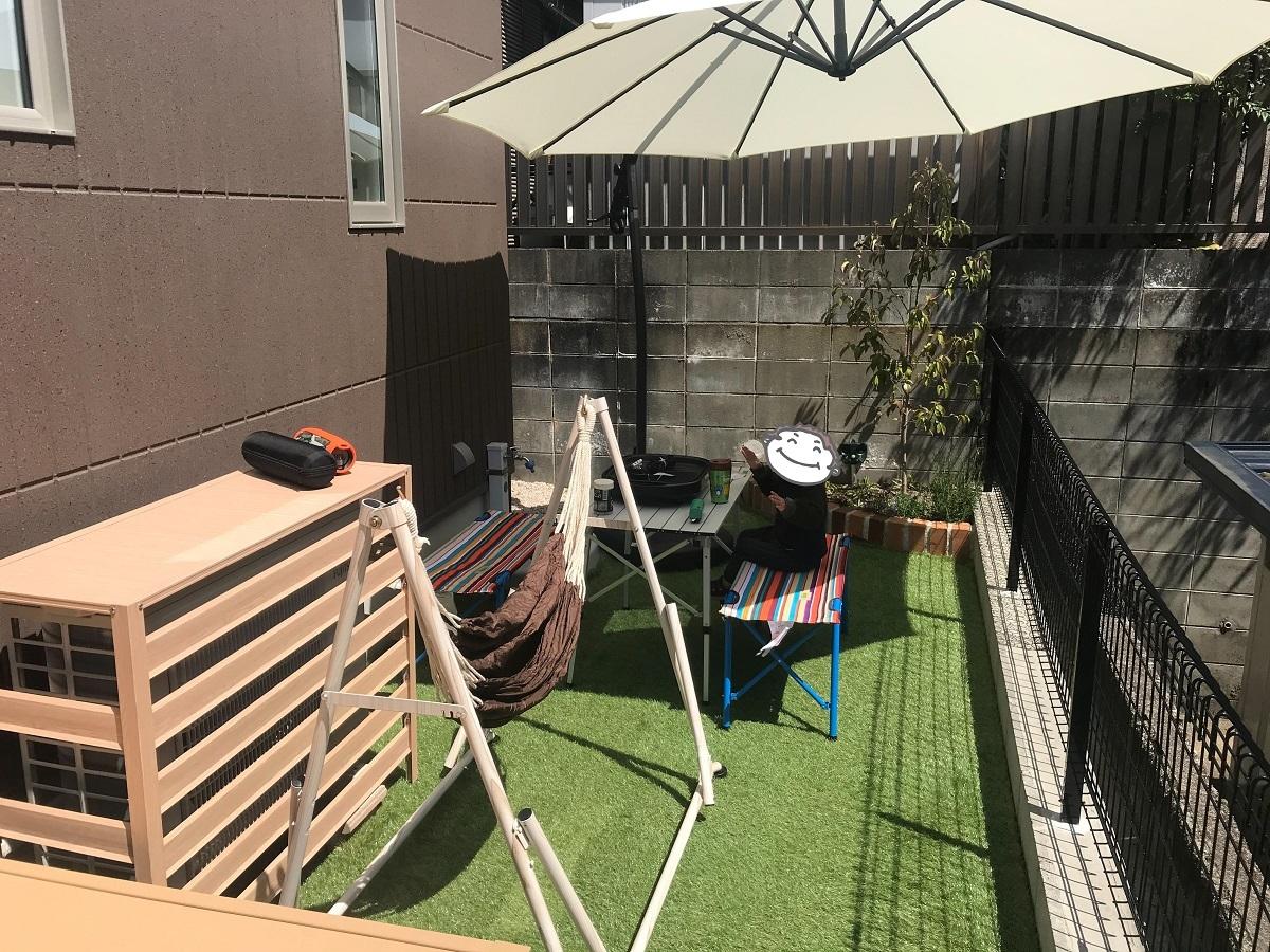 お庭でBBQが楽しめるのも戸建ならでは♪ 夏はプールで遊んだり、デッキでひなたぼっこしたり。 キャンピングカーも購入されたということで、次の楽しみはご家族で旅をすることみたいです。